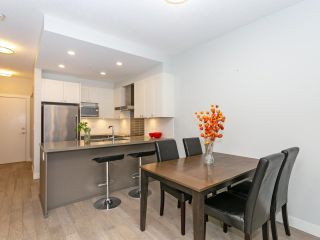 """Photo 5: 211 3399 NOEL Drive in Burnaby: Sullivan Heights Condo for sale in """"CAMERON"""" (Burnaby North)  : MLS®# R2465888"""
