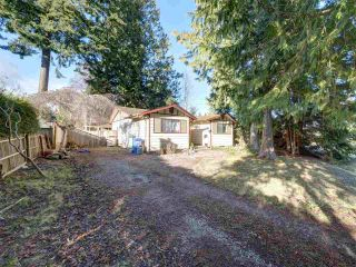 "Photo 1: 5669 SURF Circle in Sechelt: Sechelt District House for sale in ""SECHELT DOWNTOWN"" (Sunshine Coast)  : MLS®# R2530445"