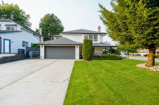 Photo 2: 15489 92A Avenue in Surrey: Fleetwood Tynehead House for sale : MLS®# R2611690