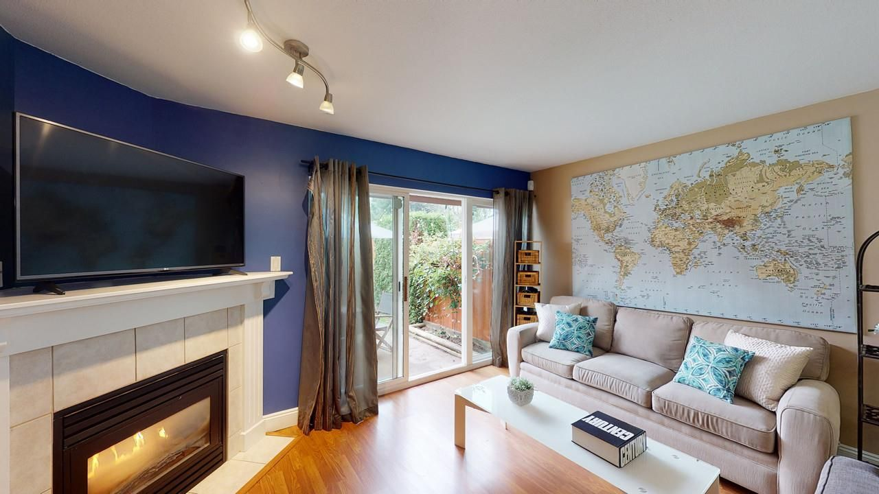 "Main Photo: 3 20985 CAMWOOD Avenue in Maple Ridge: Southwest Maple Ridge Townhouse for sale in ""Maple Court"" : MLS®# R2501267"