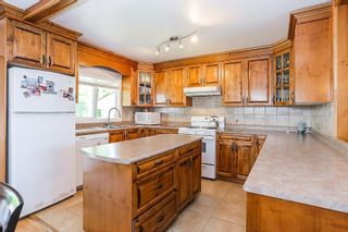 Photo 6: 589 THOMPSON Avenue in Coquitlam: Coquitlam West House for sale : MLS®# R2184128