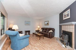 Photo 9: 13 639 Kildew Rd in VICTORIA: Co Hatley Park Row/Townhouse for sale (Colwood)  : MLS®# 825262