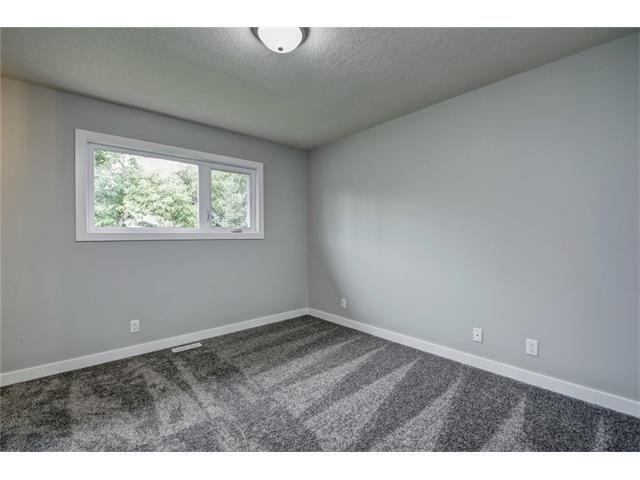 Photo 25: Photos: 448 CEDARPARK Drive SW in Calgary: Cedarbrae House for sale : MLS®# C4084629