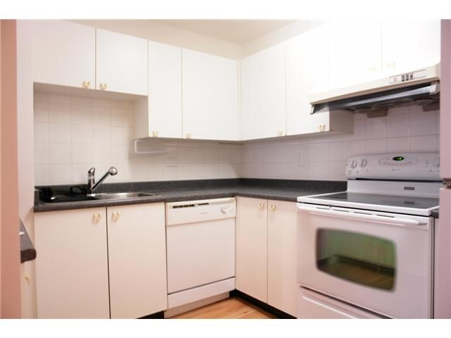 """Photo 5: Photos: # 284 8333 JONES RD in Richmond: Brighouse South Townhouse for sale in """"CAMELIA GARDENS"""" : MLS®# V985608"""