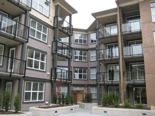Photo 2: 416 10707 139th Street in Surrey: Condo for sale