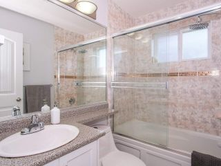 Photo 17: 2151 TRIUMPH Street in Vancouver: Hastings Sunrise 1/2 Duplex for sale (Vancouver East)  : MLS®# R2412946
