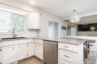 Photo 8: 70 Manring Cove in Winnipeg: House for sale : MLS®# 202121105