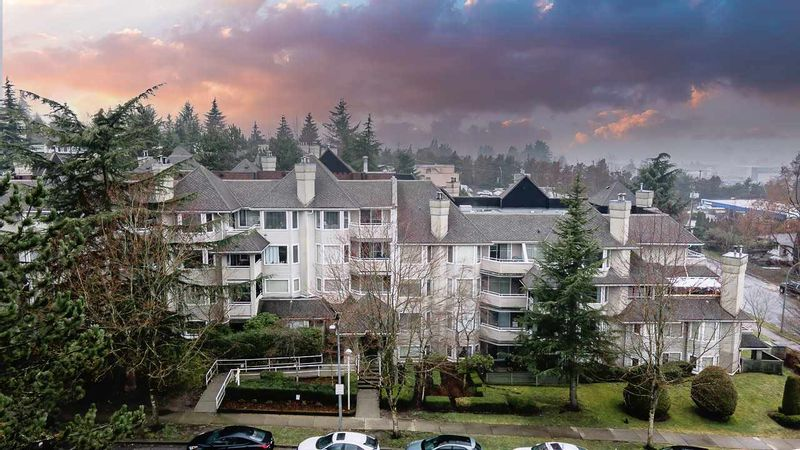 FEATURED LISTING: 312 - 3183 ESMOND Avenue Burnaby