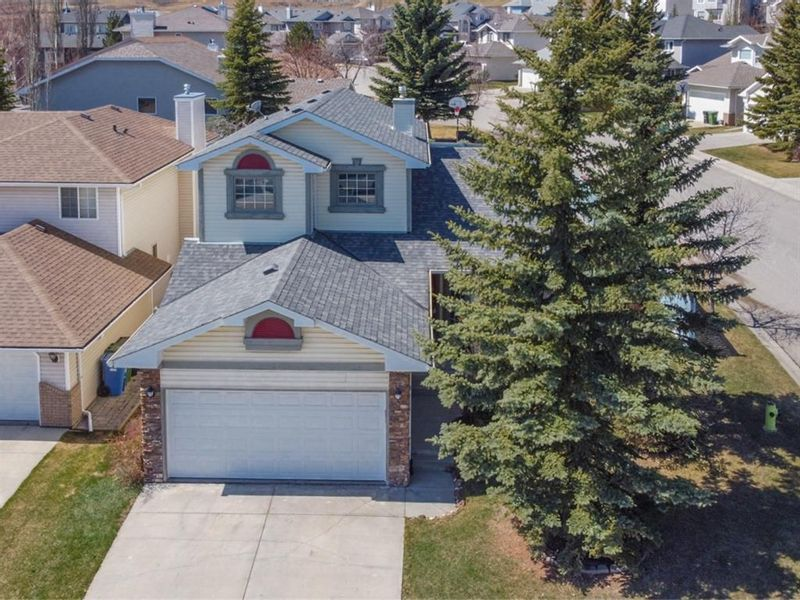 FEATURED LISTING: 113 Macewan Park View Northwest Calgary