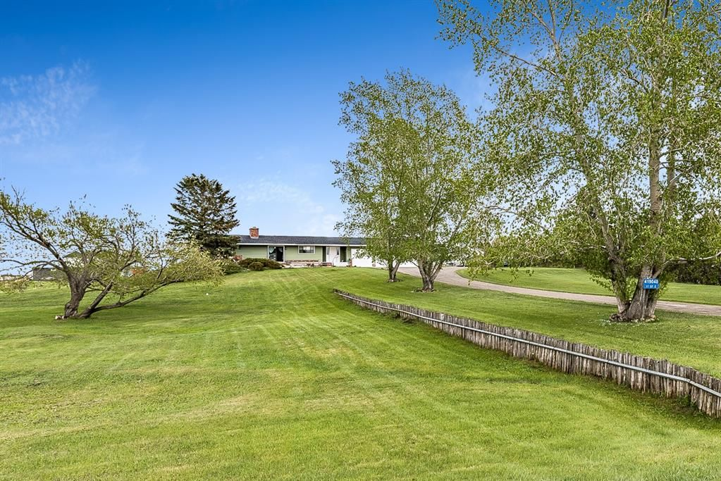 Main Photo: 419040 17 Street E: Rural Foothills County Detached for sale : MLS®# A1113897