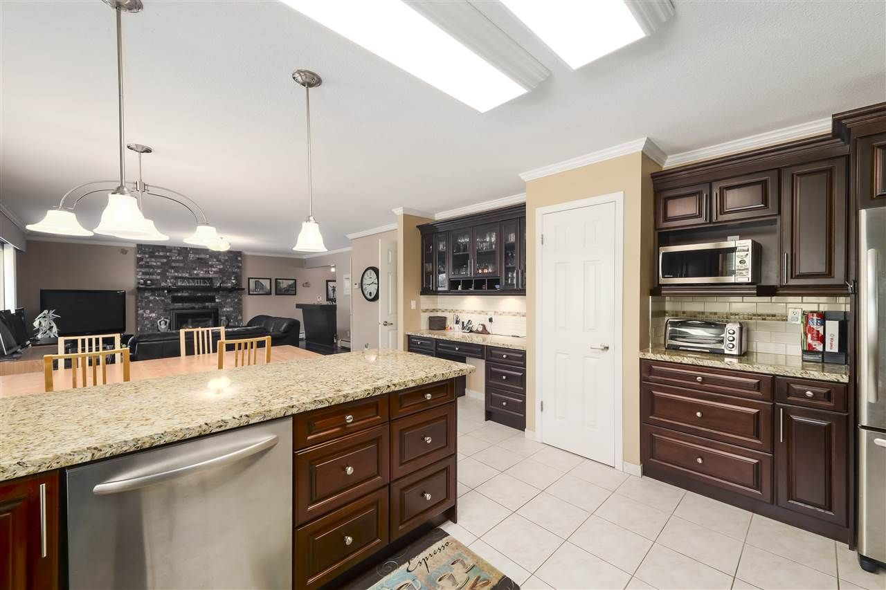 Photo 9: Photos: 10291 MORTFIELD Road in Richmond: South Arm House for sale : MLS®# R2490488