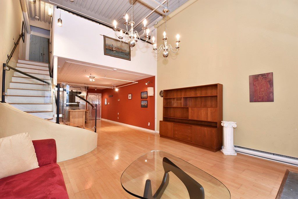 """Photo 4: Photos: 110 237 E 4TH Avenue in Vancouver: Mount Pleasant VE Condo for sale in """"ARTWORKS"""" (Vancouver East)  : MLS®# R2122835"""