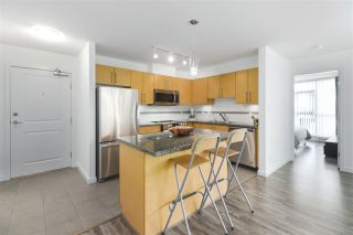 """Photo 5: 502 2225 HOLDOM Avenue in Burnaby: Central BN Condo for sale in """"Legacy Towers"""" (Burnaby North)  : MLS®# R2471558"""