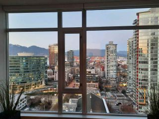 "Photo 4: 2301 161 W GEORGIA Street in Vancouver: Downtown VW Condo for sale in ""COSMO/DOWNTOWN"" (Vancouver West)  : MLS®# R2556752"