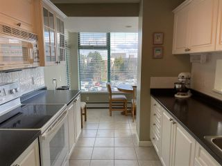 """Photo 2: 303 15466 NORTH BLUFF Road: White Rock Condo for sale in """"THE SUMMIT"""" (South Surrey White Rock)  : MLS®# R2557297"""