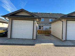 Main Photo: 15 400 Sparrow Hawk Drive: Fort McMurray Row/Townhouse for sale : MLS®# A1155750