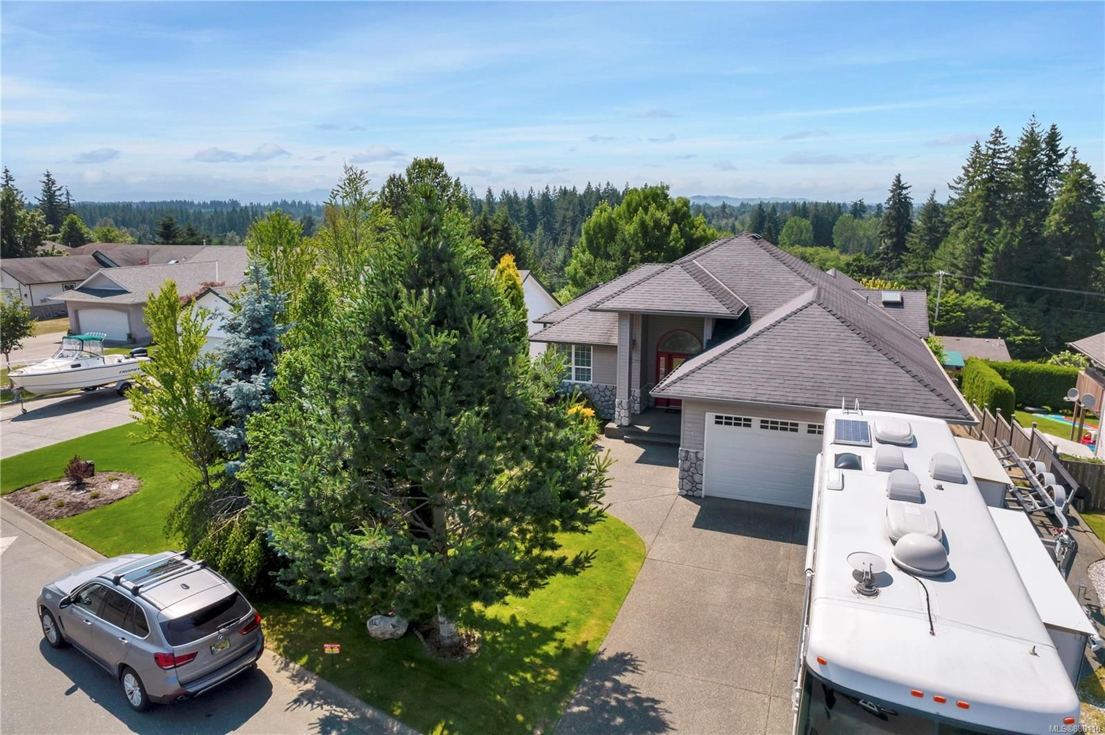 Main Photo: 260 Stratford Dr in : CR Campbell River Central House for sale (Campbell River)  : MLS®# 880110