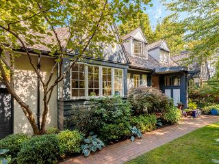 """Photo 2: 5 1820 BAYSWATER Street in Vancouver: Kitsilano Townhouse for sale in """"Tatlow Court"""" (Vancouver West)  : MLS®# R2619300"""
