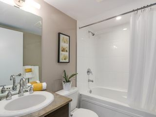 """Photo 12: 1408 9981 WHALLEY Boulevard in Surrey: Whalley Condo for sale in """"Park Place II"""" (North Surrey)  : MLS®# R2129602"""