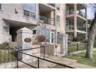 Main Photo: 402 3412 PARKDALE Boulevard NW in Calgary: Parkdale Condo for sale ()  : MLS®# C3460376