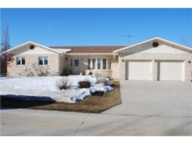 Main Photo: 443 Sarah Avenue in SOMERSET: Manitoba Other Residential for sale : MLS®# 1004270