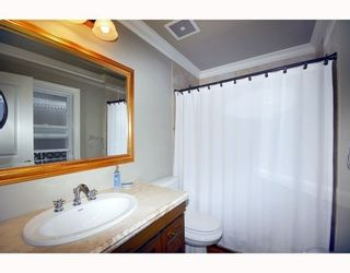 Photo 10: 2310 MAHON Ave in North Vancouver: Home for sale : MLS®# V790102