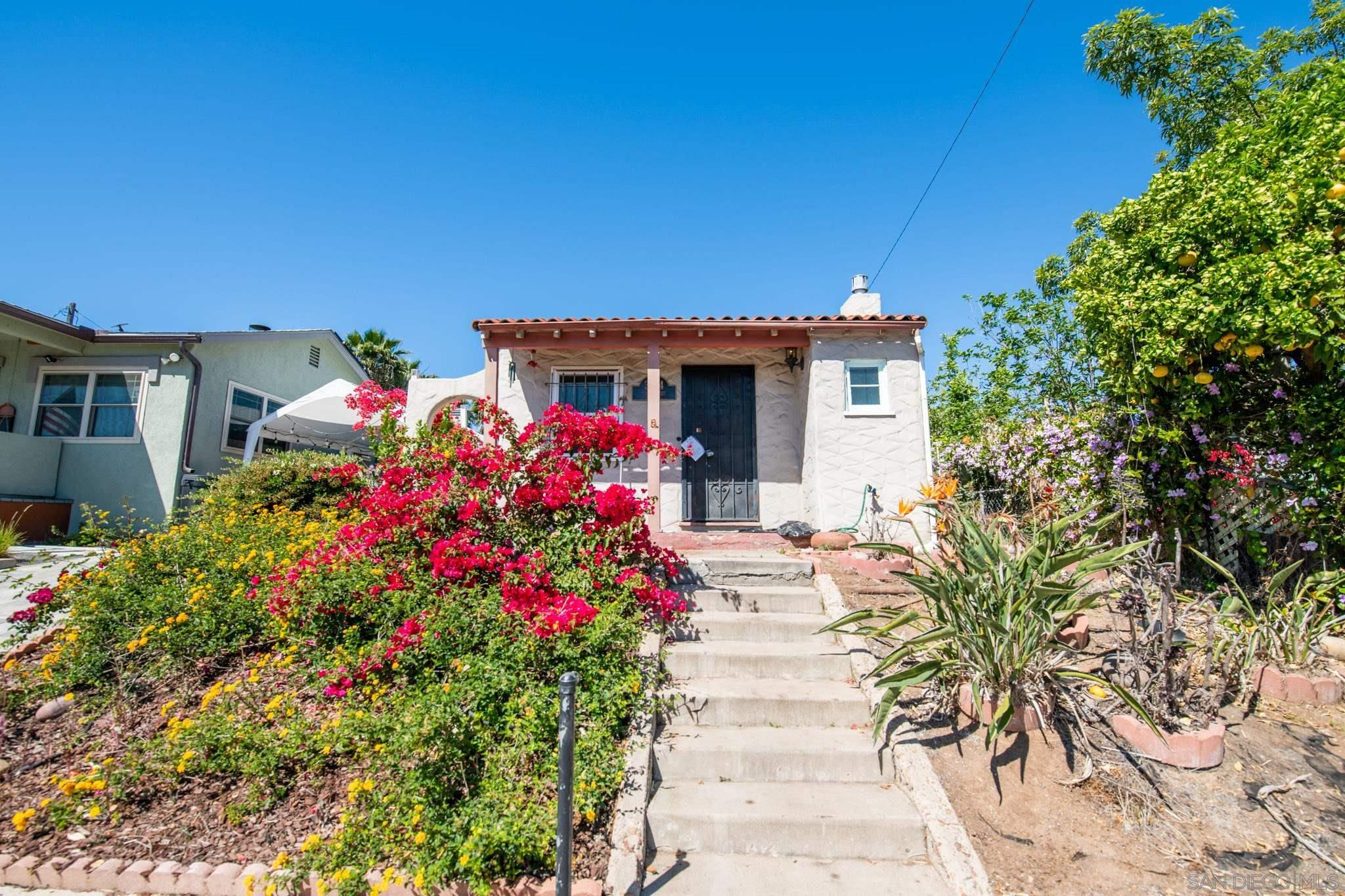 Main Photo: NORTH PARK House for sale : 2 bedrooms : 3724 Nile St in San Diego