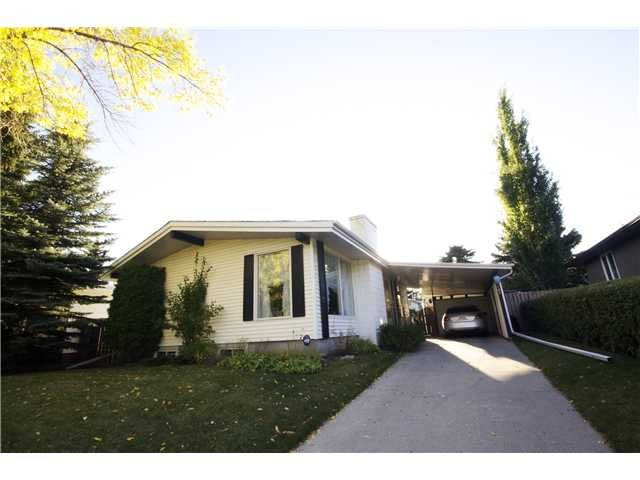Main Photo: 6203 LLOYD Crescent SW in CALGARY: Lakeview Residential Detached Single Family for sale (Calgary)  : MLS®# C3493736