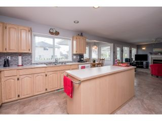 """Photo 9: 6248 190 Street in Surrey: Cloverdale BC House for sale in """"Cloverdale"""" (Cloverdale)  : MLS®# R2070810"""
