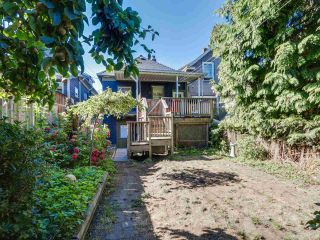 Photo 18: 1613 E 4TH AVENUE in Vancouver: Grandview VE House for sale (Vancouver East)  : MLS®# R2096953