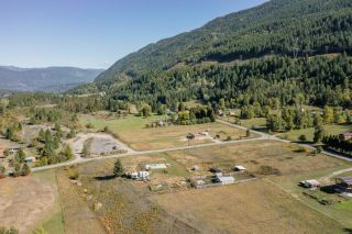 Photo 5: 957 DIVISION ROAD in Castlegar: Vacant Land for sale : MLS®# 2461253