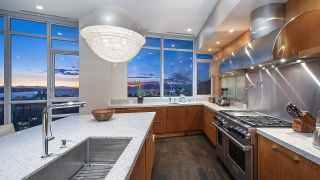 """Photo 12: 4301 1189 MELVILLE Street in Vancouver: Coal Harbour Condo for sale in """"The Melville"""" (Vancouver West)  : MLS®# R2512418"""