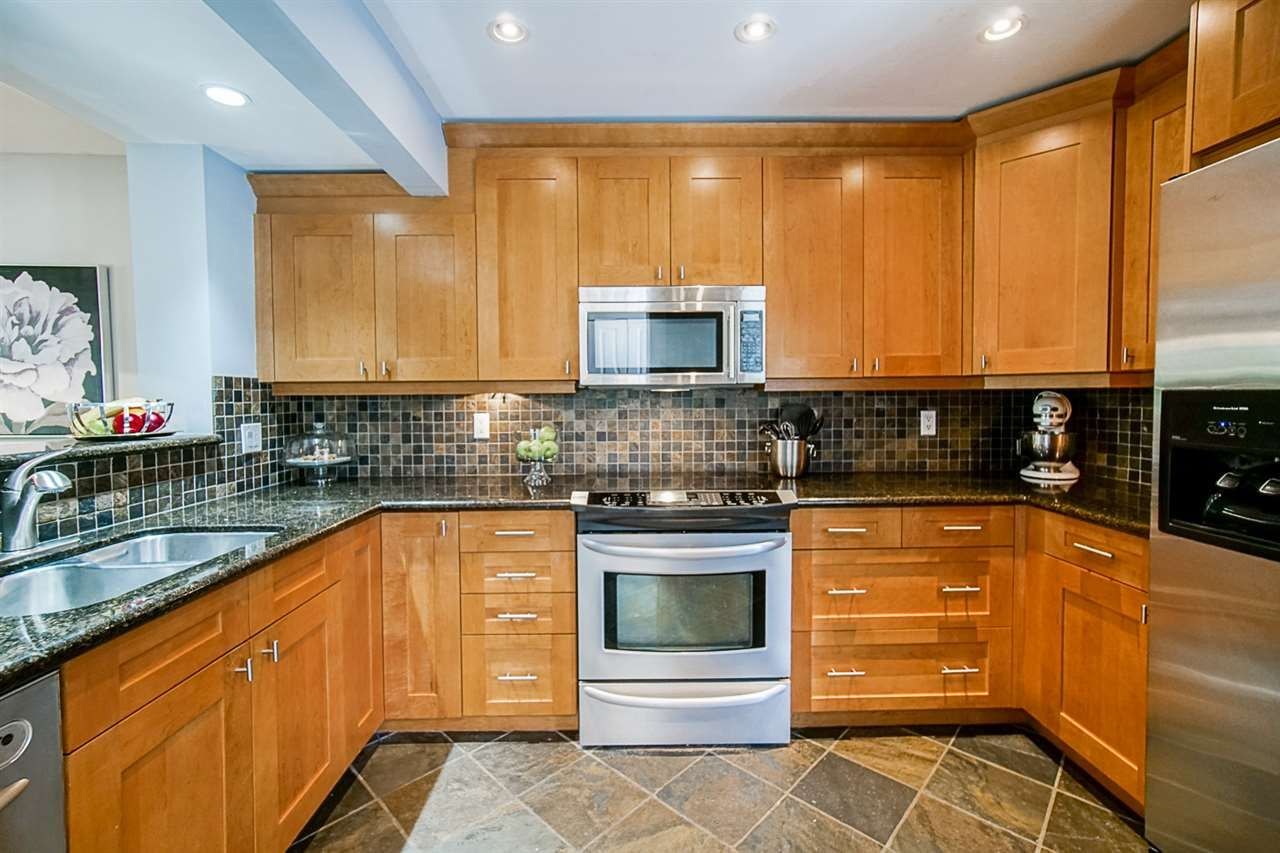 """Photo 14: Photos: 1 1960 RUFUS Drive in North Vancouver: Westlynn Townhouse for sale in """"Mountain Estates"""" : MLS®# R2487288"""