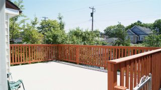 Photo 4: 2062 E 8TH Avenue in Vancouver: Grandview VE House for sale (Vancouver East)  : MLS®# R2181845