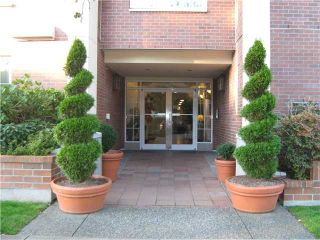 """Photo 8: 212 2105 W 42ND Avenue in Vancouver: Kerrisdale Condo for sale in """"BROWNSTONE"""" (Vancouver West)  : MLS®# V971377"""