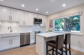 """Photo 1: 9 11771 KINGFISHER Drive in Richmond: Westwind Townhouse for sale in """"Somerset Mews"""" : MLS®# R2601333"""