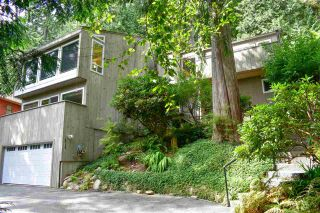 Photo 2: 4717 MOUNTAIN Highway in North Vancouver: Lynn Valley House for sale : MLS®# R2406230