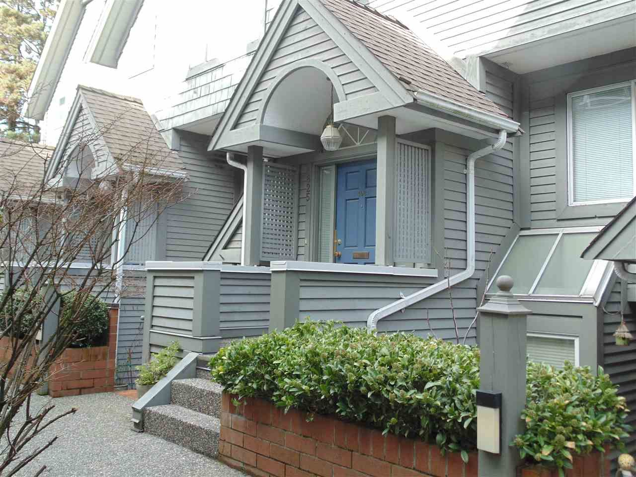 Main Photo: 106 825 W 7TH Avenue in Vancouver: Fairview VW Townhouse for sale (Vancouver West)  : MLS®# R2438221