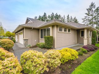 Photo 3: 101 4417 Amblewood Lane in : Na Uplands Row/Townhouse for sale (Nanaimo)  : MLS®# 874717