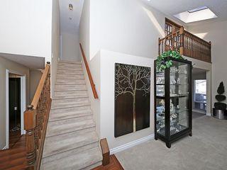 Photo 8: 99 BERNARD Court NW in Calgary: Beddington Heights Detached for sale : MLS®# C4215187