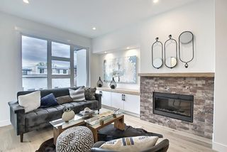 Photo 4: 3209 16 Street SW in Calgary: South Calgary Row/Townhouse for sale : MLS®# A1154022