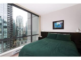 """Photo 15: 2101 1228 W HASTINGS Street in Vancouver: Coal Harbour Condo for sale in """"Palladio"""" (Vancouver West)  : MLS®# R2568240"""