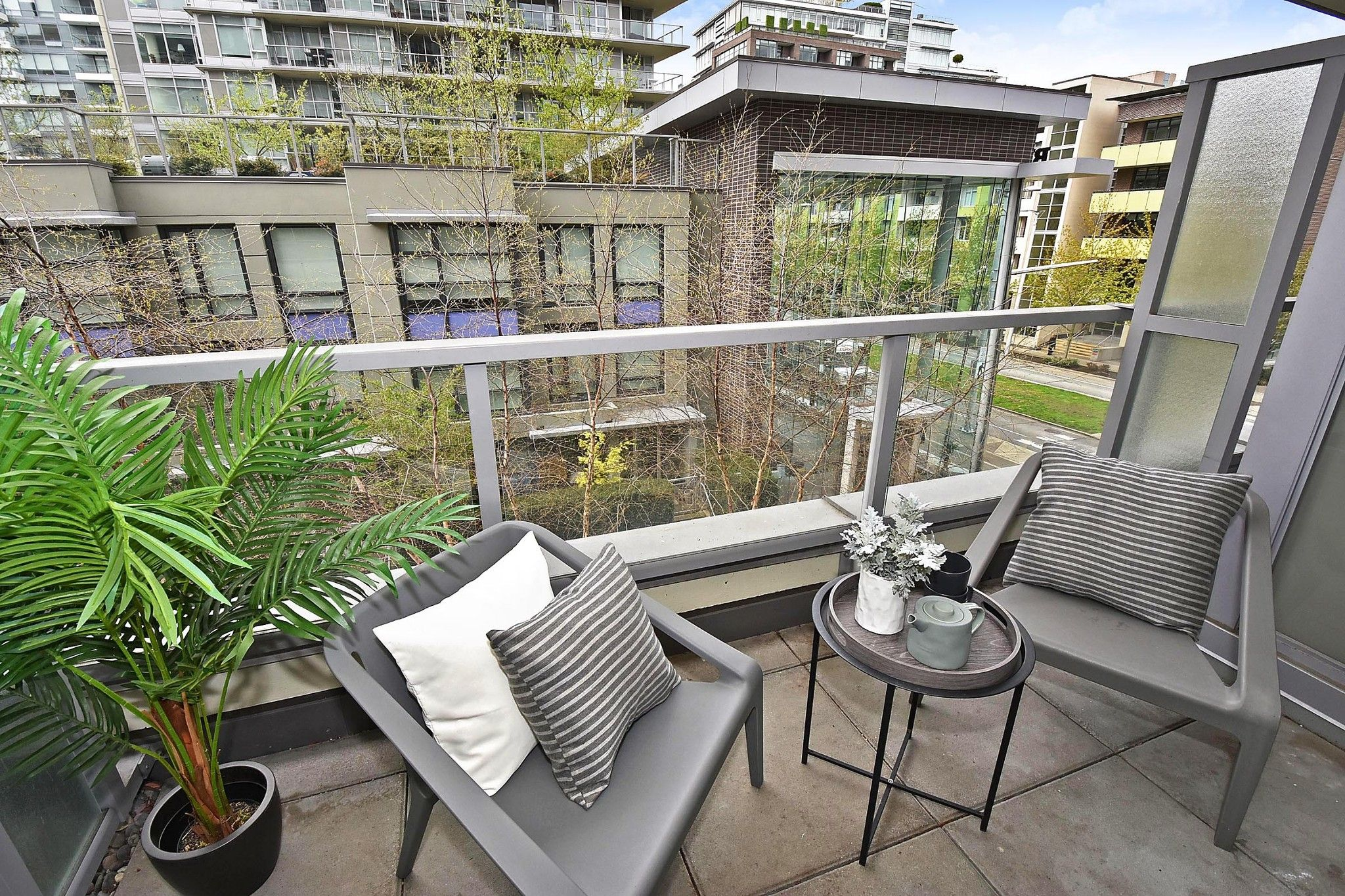"""Photo 16: Photos: 306 138 W 1ST Avenue in Vancouver: False Creek Condo for sale in """"WALL CENTRE FALSE CREEK"""" (Vancouver West)  : MLS®# R2360592"""