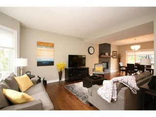 Photo 2: 156 GLENEAGLES Close: Cochrane House for sale : MLS®# C4018066