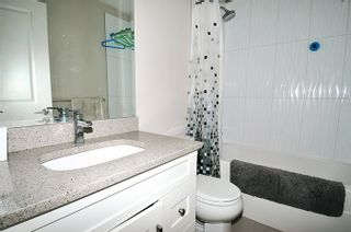 """Photo 12: 24 11461 236 Street in Maple Ridge: East Central Townhouse for sale in """"TWO BIRDS"""" : MLS®# R2146030"""