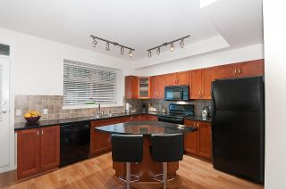 Photo 12: 19 55 HAWTHORN DRIVE in Port Moody: Heritage Woods PM Townhouse for sale : MLS®# R2048256
