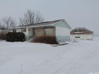 Photo 1: 120 Government Road North in Stoughton: Residential for sale : MLS®# SK796577