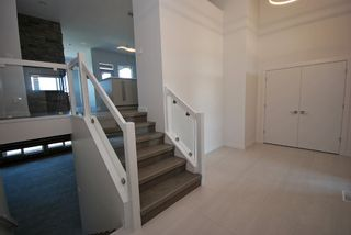 Photo 2: 43 Turnstone Terrace in Winnipeg: South Pointe Single Family Detached for sale (1R)