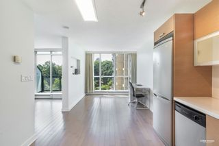 """Photo 7: 407 10777 UNIVERSITY Drive in Surrey: Whalley Condo for sale in """"City Point"""" (North Surrey)  : MLS®# R2599755"""