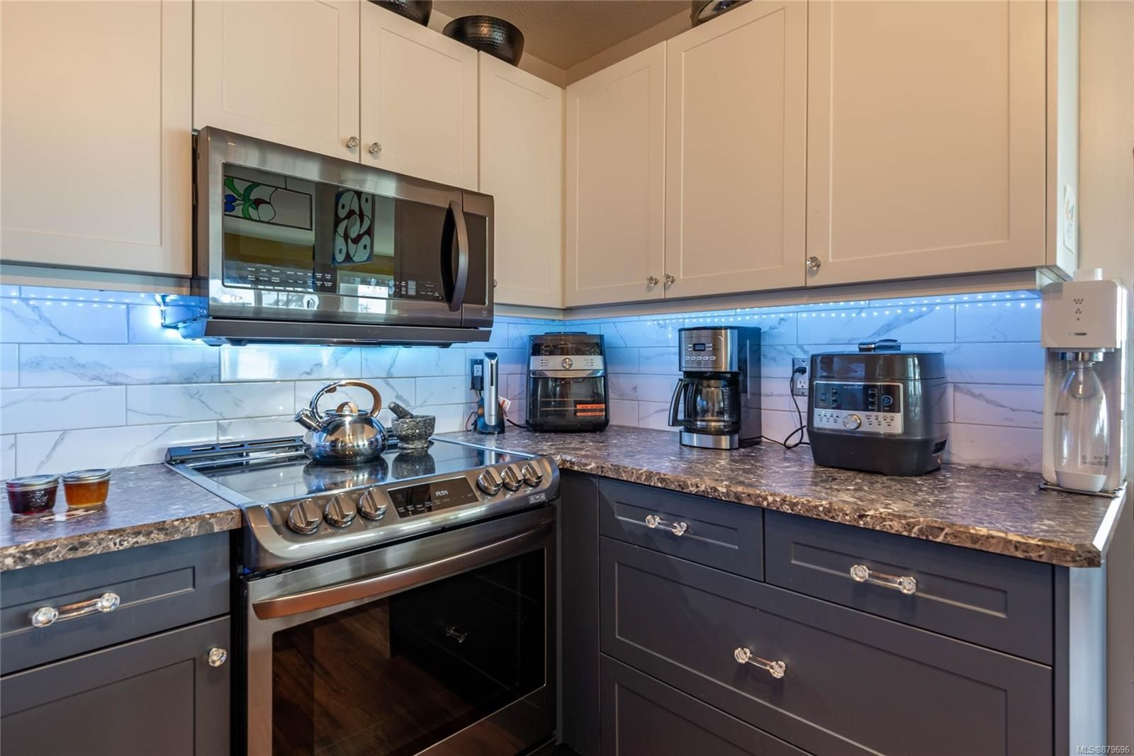 Photo 9: Photos: 219 390 S Island Hwy in : CR Campbell River West Condo for sale (Campbell River)  : MLS®# 879696
